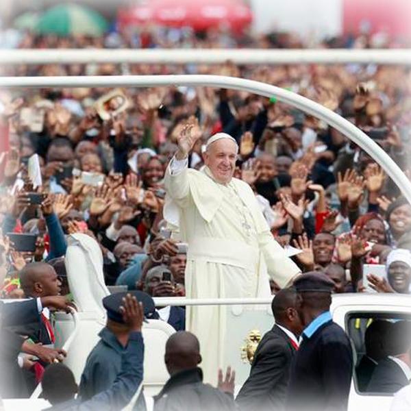 La messa del Papa a Nairobi