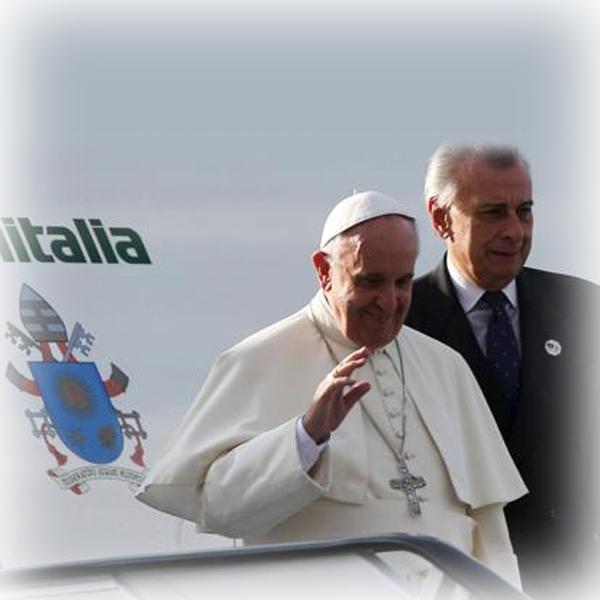 Papa Francesco per la prima volta in Africa