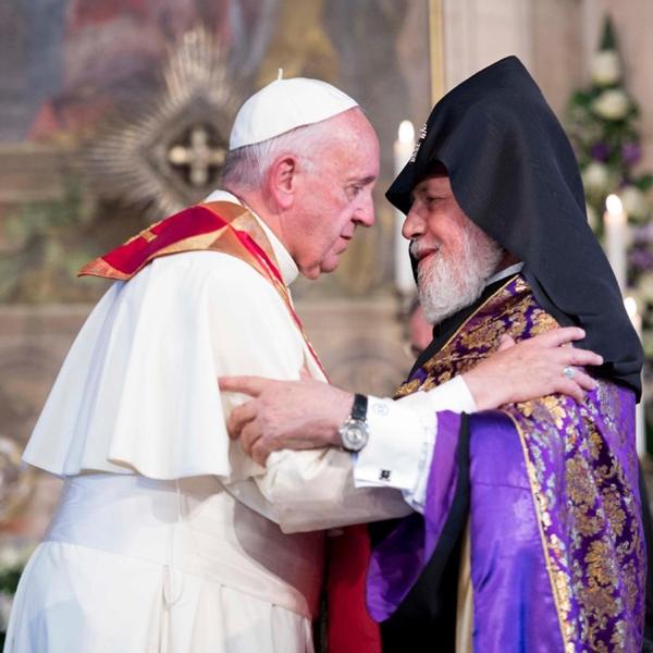 Papa Francesco in Armenia: Don Orione salvò e aiutò 70 orfani del genocidio