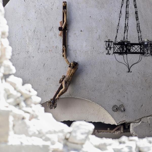 """""""Date buon esempio: è la vostra prima missione."""" – Terremoto Centro Italia"""
