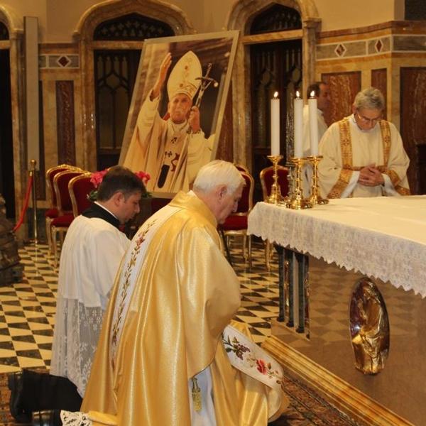 Tortona – Le reliquie dei Santi Giovanni Paolo II e Sr. Faustina