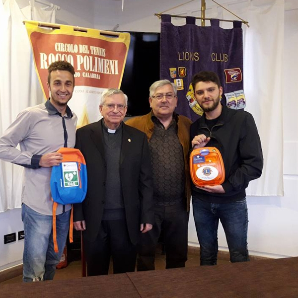 Reggio Calabria – Il Lions dona defibrillatore alla parrocchia Orionina di S. Antonio di Padova