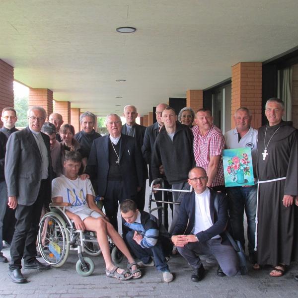 Ucraina – Visita del cardinale Bassetti al monastero orionino di L'Viv