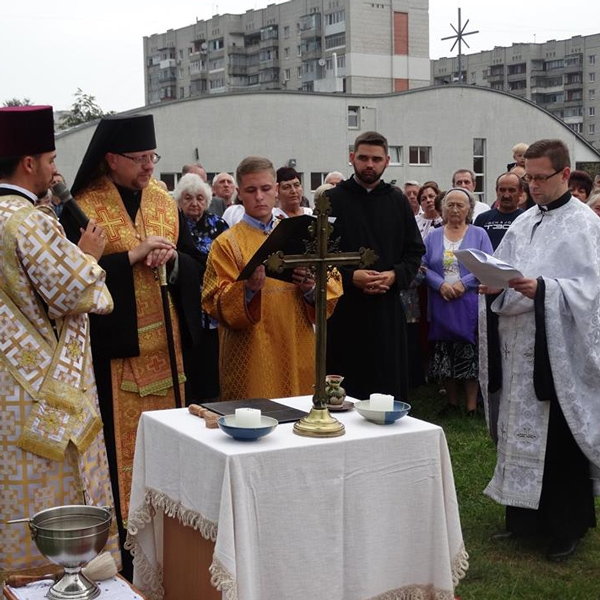 Ucraina – Benedizione della prima pietra della nuova chiesa a L'Viv