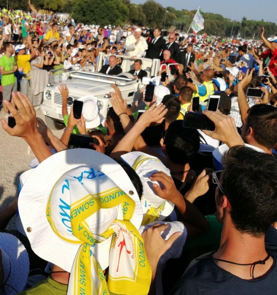 #vadoalmassimo: il Papa esorta i giovani ad essere testimoni