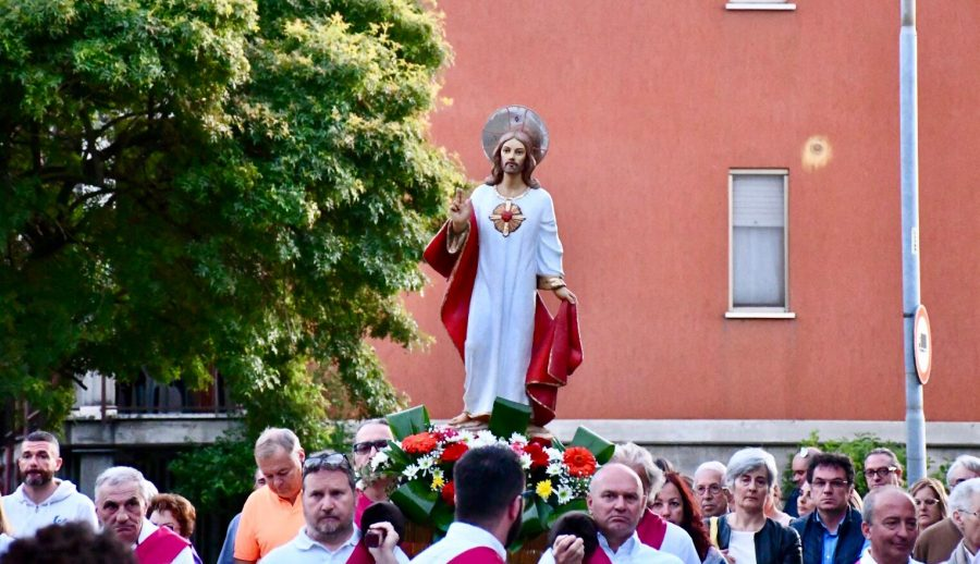 Tortona – Processione nella Parrocchia del Sacro Cuore