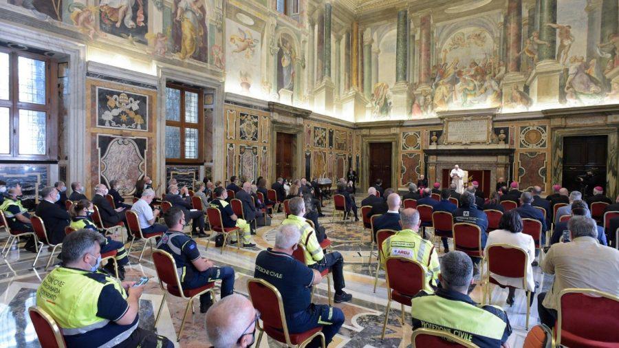 Papa Francesco – La cultura della prossimità e della tenerezza