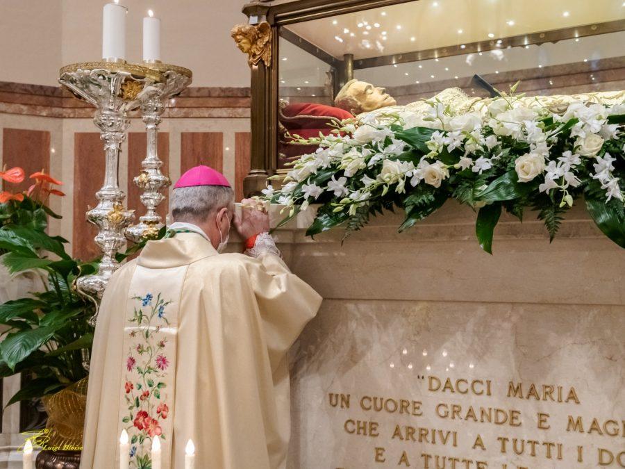 Tortona – Monsignor Viola Segretario della Congregazione del Culto Divino e la Disciplina dei Sacramenti